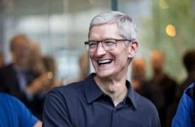 苹果首席执行官蒂姆库克将男人放在神奇宝贝中