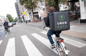 在病毒危机期间,Uber Eats UK免收费用