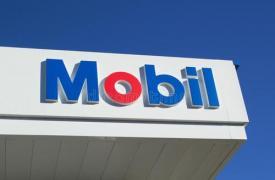 在品牌出现在马来西亚时就经营着Esso和Mobil加油站