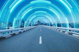 现有的智能高速公路网络中约有100英里是全方位运行的