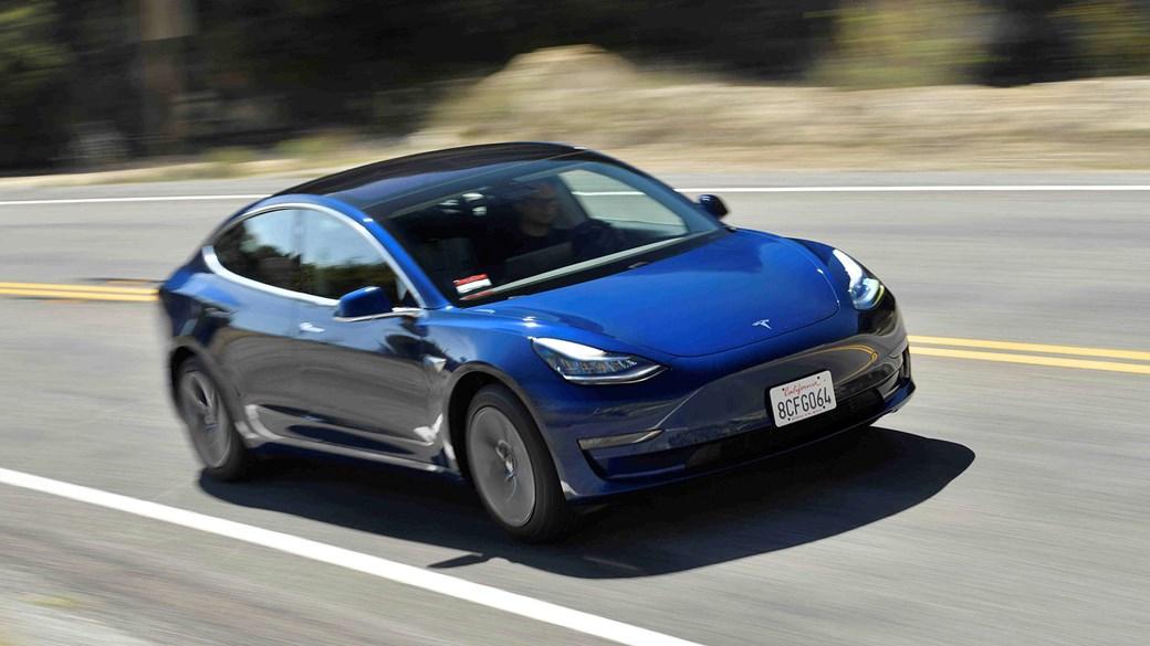 特斯拉Model 3:我们为人们驾驶马斯克的电动汽车