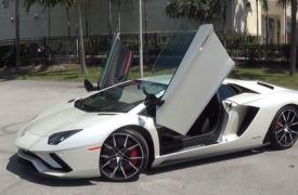 汽车动态看点兰博基尼Aventador S从曼斯雷那里得到一剂碳纤维