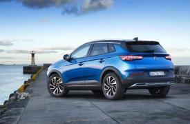 汽车动态看点新的终极装饰水平在其Astra和GrandlandX系列的顶级产品中增值